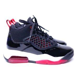 New! Nike Air Jordan Maxin 200 Black Shoe Sz 5Y